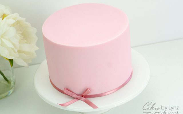 Covering a Cake with fondant
