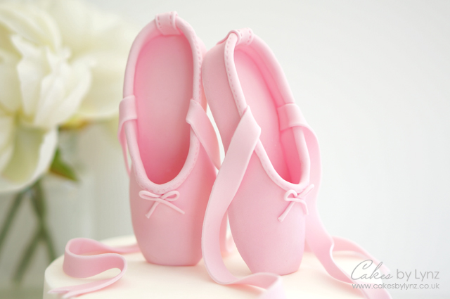 Gumpaste Ballet Slippers tutorial