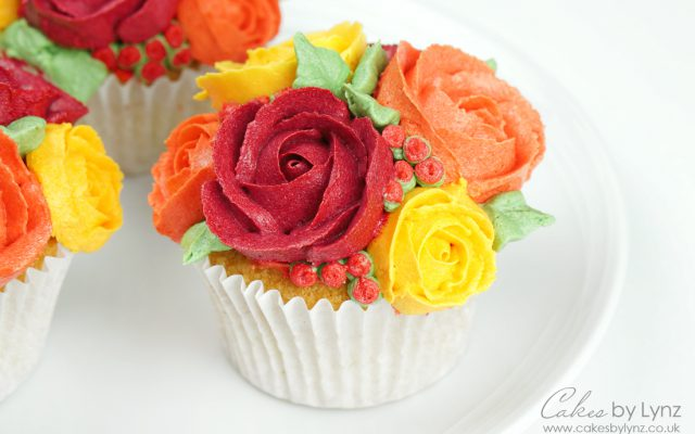 autumn rose buttercream flower bouquet cupcakes