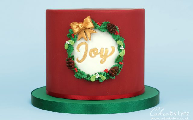Free Christmas Wreath Cake tutorial