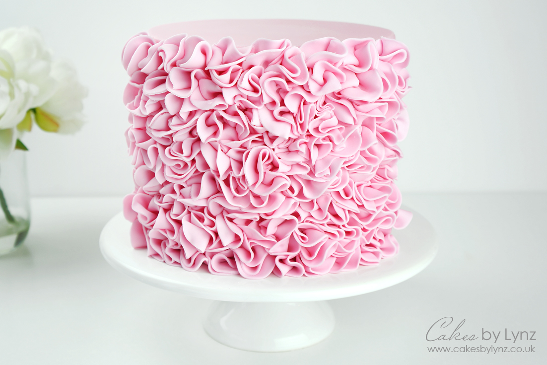 How to add ruffles to a cake