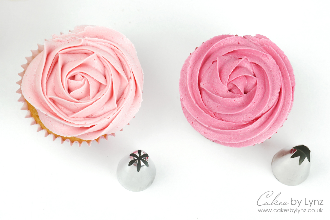 rosettes with the 1m and 2d piping tips