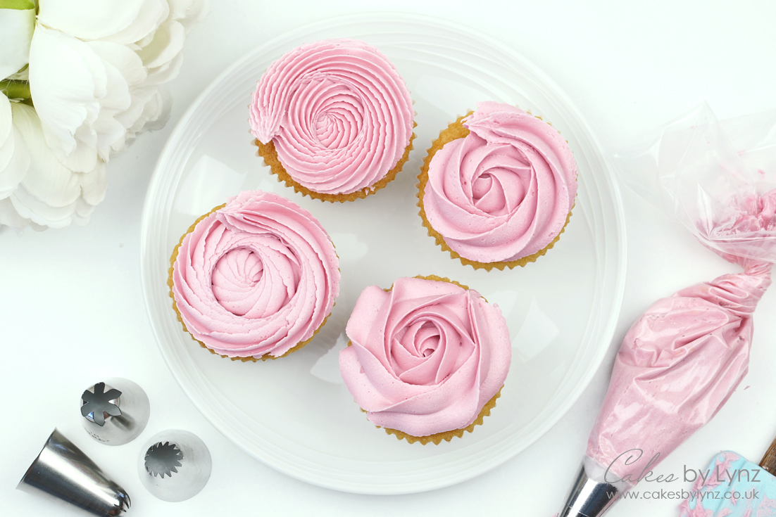 Cupcake Rosettes piping techniques