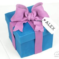 Gift Box Present cake tutorial
