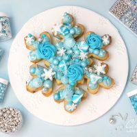 Snowflake cookie cake tutorial