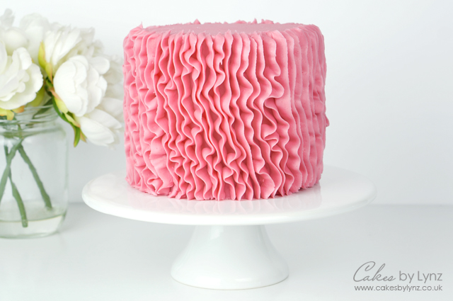 vertical Buttercream Ruffle Cake Tutorial