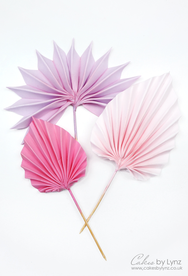 creating palm leaves for cakes tutorial