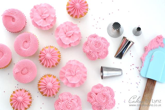 piping mini cupcakes