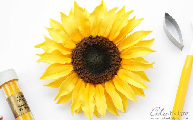 Gumpaste Sunflower Tutorial