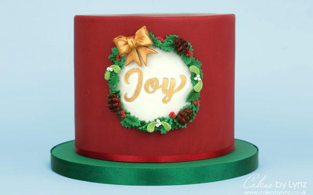 Free Christmas Wreath Cake tutorial
