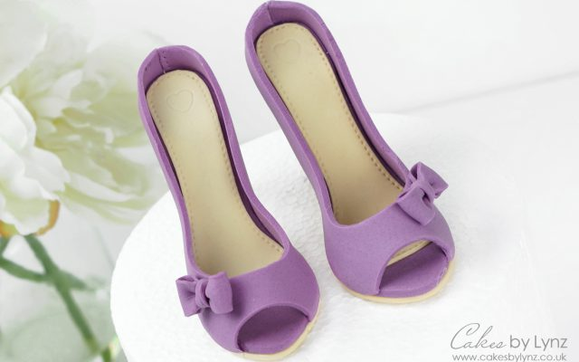 Gumpaste Shoes cake topper tutorial