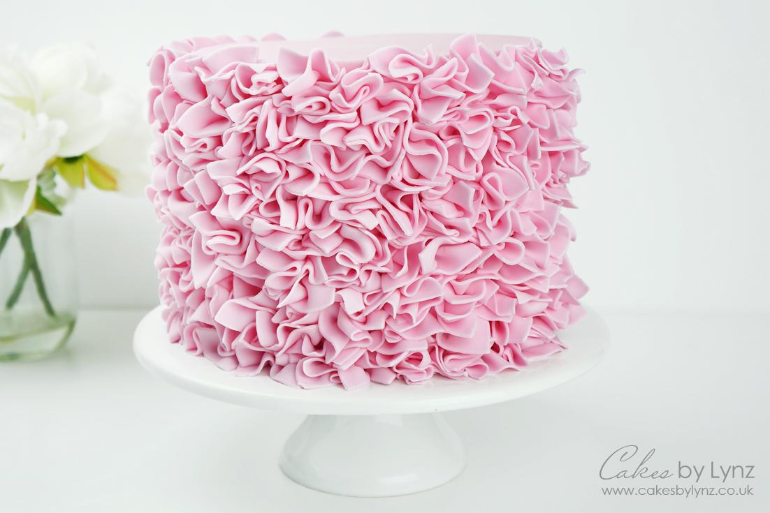 Creating a ruffle Cake