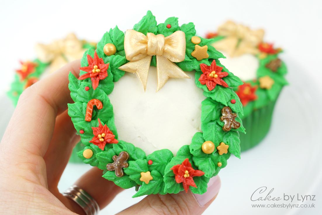 Christmas Wreath Cupcake tutorial