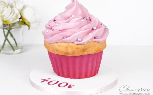 How to make a Giant Cupcake Tutorial