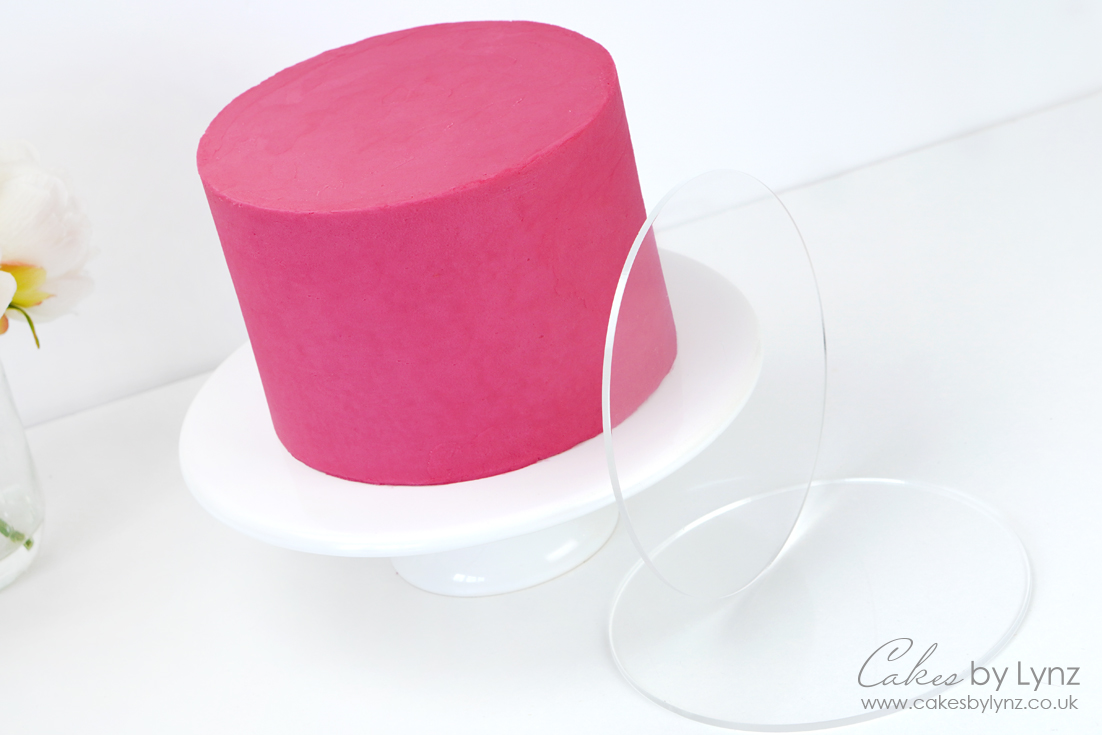 How to use acrylic cake ganache plates for your cakes
