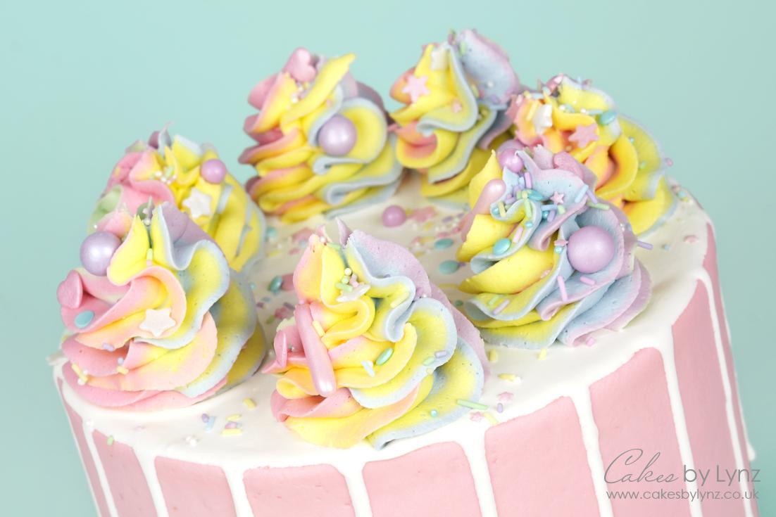 How to create rainbow buttercream swirls