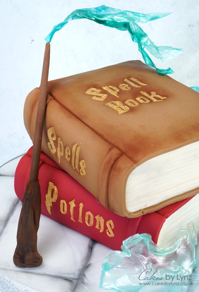 Magical Spell book cake tutorial - Harry Potter Cake