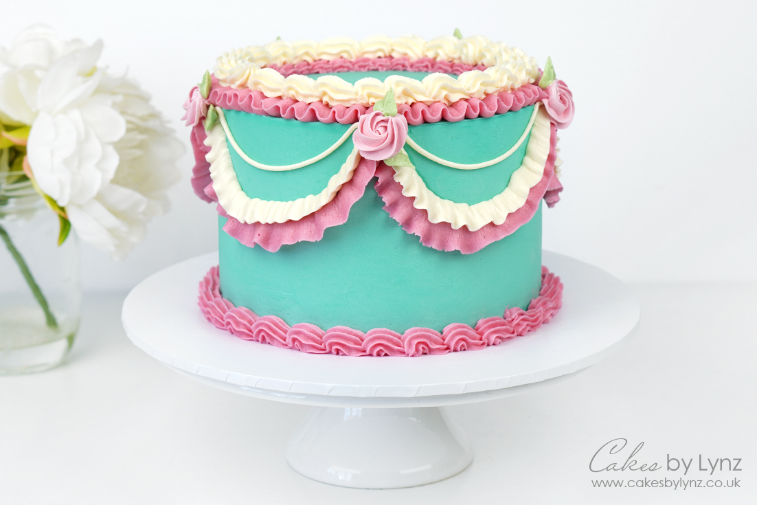 Vintage Piped Buttercream Cake 5