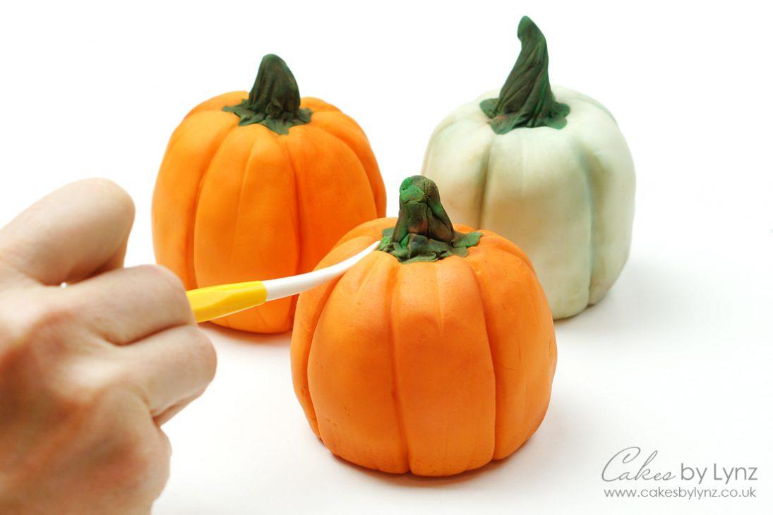 mini individual pumpkin treat tutorial